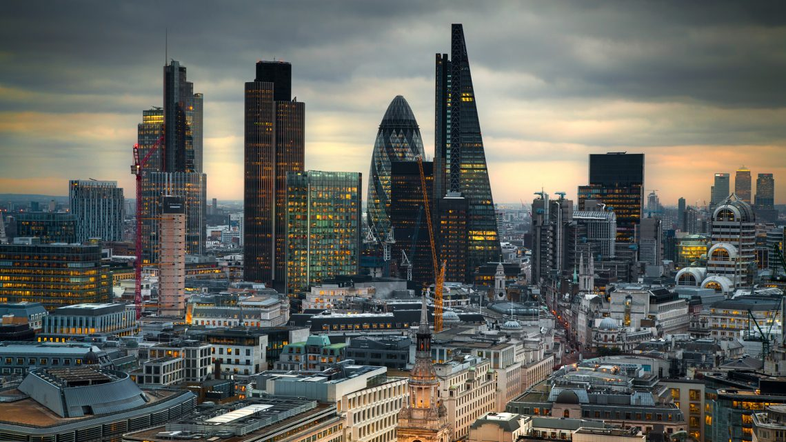 UK on the brink of 'mild recession'